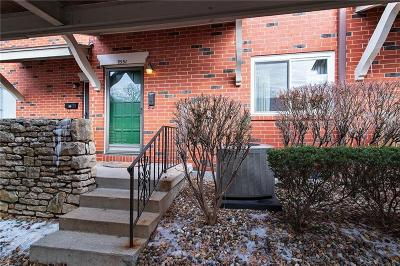 Overland Park Condo/Townhouse For Sale: 9551 Outlook Drive