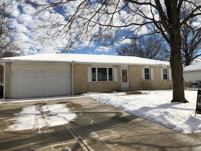 Olathe Single Family Home For Sale: 1037 W Fairwood Lane