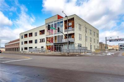 Kansas City Condo/Townhouse For Sale: 360 W Pershing Road #190
