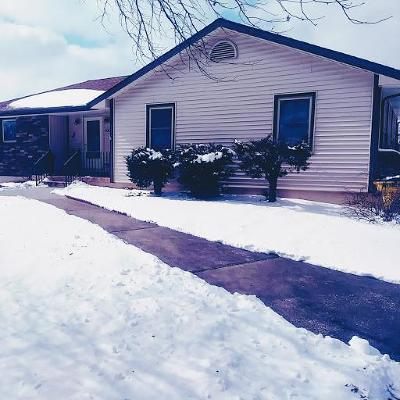 Grain Valley Single Family Home For Sale: 806 NW Valley Woods Drive