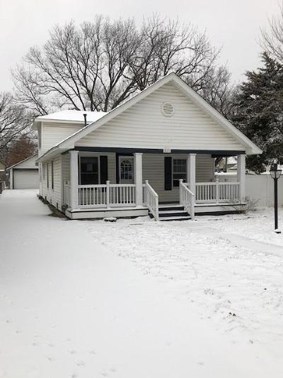 Single Family Home Auction: 615 Atchison