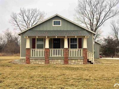 Lawrence Single Family Home For Sale: 1017 E 1600 Road