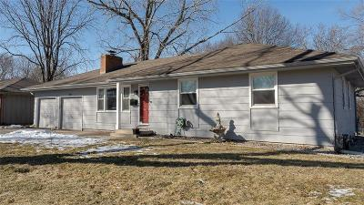 Cass County, Clay County, Platte County, Jackson County, Wyandotte County, Johnson-KS County, Leavenworth County Single Family Home For Sale: 201 W Walnut Street