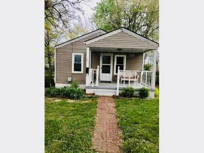 Warrensburg Single Family Home For Sale: 415 E Gay Street