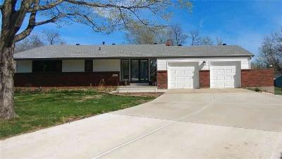 Overland Park Single Family Home Contingent: 9331 Dearborn Street