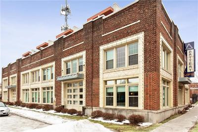 Kansas City Condo/Townhouse For Sale: 3001 Gillham Road #102