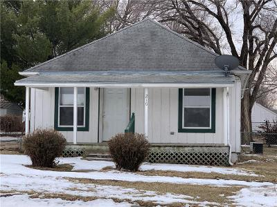 Tonganoxie Single Family Home For Sale: 210 E 4th Street