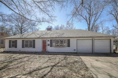 Overland Park Single Family Home For Sale: 5611 W 101 Street