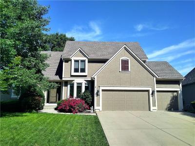 Overland Park Single Family Home For Sale: 12938 Earnshaw Street