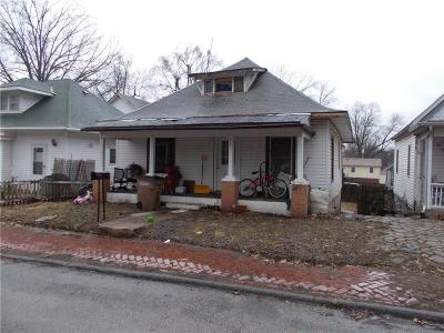 Single Family Home For Sale: 613 R Street