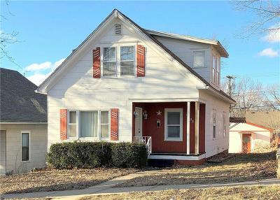 Buchanan County Single Family Home For Sale: 3223 Penn Street