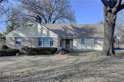 Overland Park Single Family Home For Sale: 6408 W 65th Terrace