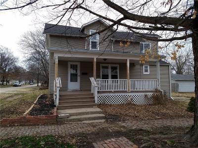 Paola Single Family Home For Sale: 701 E Piankishaw Street
