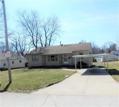 Kansas City Single Family Home For Sale: 3704 Windsor Road