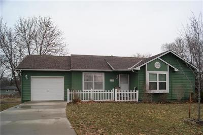Tonganoxie KS Single Family Home For Sale: $175,000