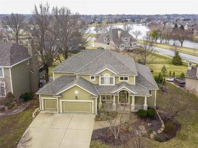 Overland Park Single Family Home For Sale: 5821 W 147 Place