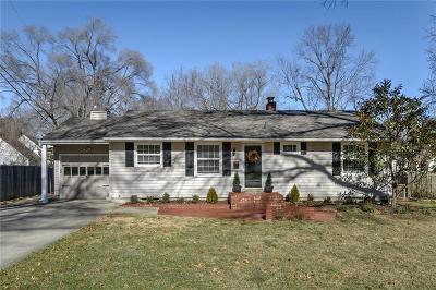 Prairie Village Single Family Home For Sale: 4946 W 78th Place