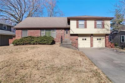 Overland Park Single Family Home For Sale: 9233 Hayes Drive