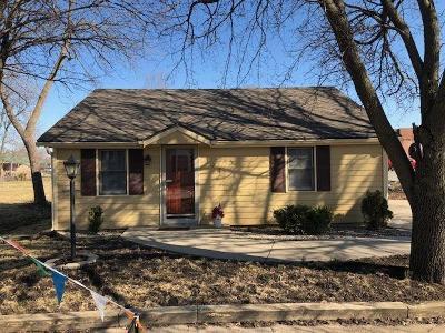 Oak Grove Single Family Home For Sale: 104 SW 13th Street