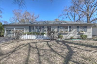 Overland Park Single Family Home For Sale: 5700 W 101st Terrace