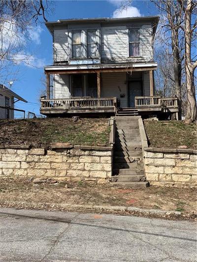 St Joseph Single Family Home For Sale: 909 Ridenbaugh Street