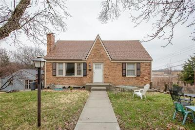 Kansas City Single Family Home For Sale: 3141 E Barker Circle