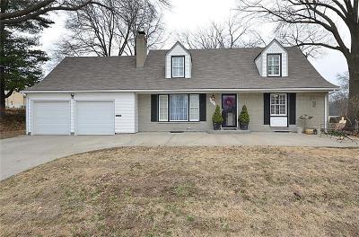 Kansas City Single Family Home For Sale: 4937 NE Chouteau Drive
