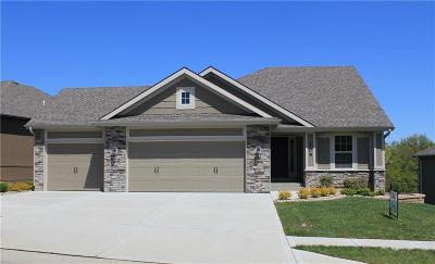 Cass County, Clay County, Platte County, Jackson County, Wyandotte County, Johnson-KS County, Leavenworth County Single Family Home For Sale: 109 S Marimack Drive