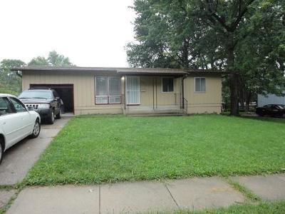 Kansas City Single Family Home For Sale: 8601 E 92nd Terrace