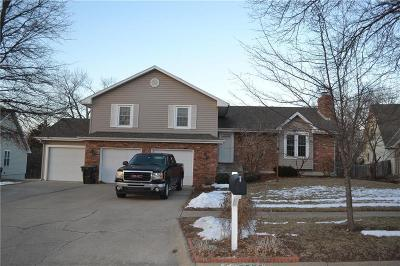 Topeka Single Family Home For Sale: 5756 SW Woodbridge Drive