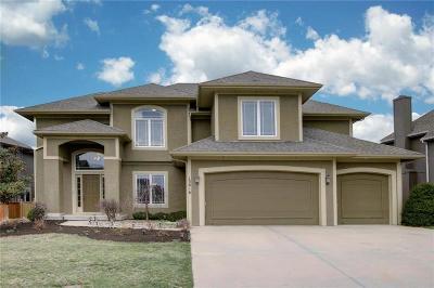 Overland Park Single Family Home For Sale: 13816 Parkhill Street