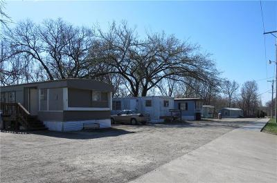 Riley County Multi Family Home For Sale: 2000 Casement Road