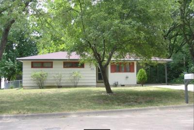 Riley County Multi Family Home For Sale: 1101 Woodland Street