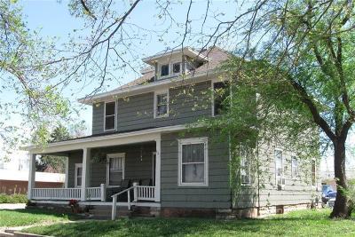 Riley County Multi Family Home For Sale: 401 Colorado Street