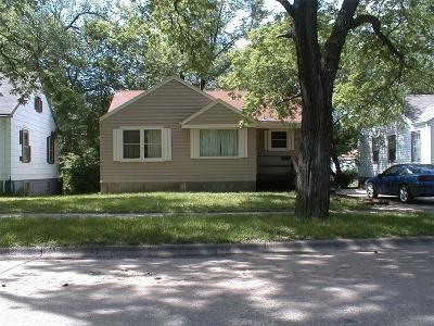 Riley County Multi Family Home For Sale: 823 Ratone Street