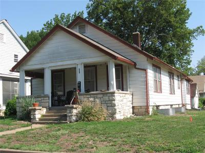 Riley County Multi Family Home For Sale: 800 Bluemont Avenue
