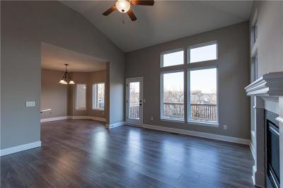 Olathe Condo/Townhouse For Sale: 21836 W 123rd Terrace