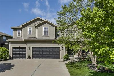 Olathe Single Family Home For Sale: 12150 S Sunray Drive