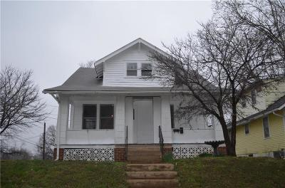 Independence Single Family Home For Sale: 300 E South Avenue