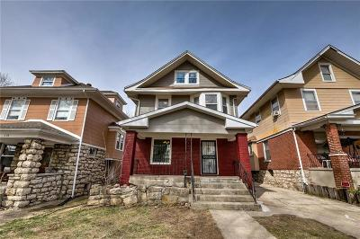 Kansas City Single Family Home For Sale: 304 Kensington Avenue