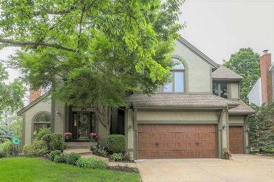 Leawood Single Family Home For Sale: 12801 Briar Street