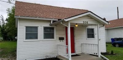 Olathe Single Family Home For Sale: 306 W Cedar Street