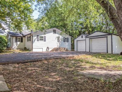 Kansas City Single Family Home Show For Backups: 9007 Old Santa Fe Road