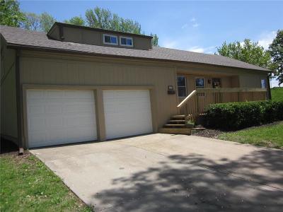 Overland Park Single Family Home For Sale: 8611 Walmer Street