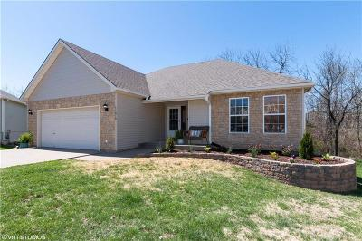 Kansas City Single Family Home For Sale: 11019 Rowland Court