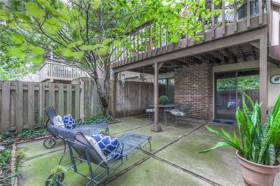 Leawood Condo/Townhouse For Sale: 4303 W 112th Terrace
