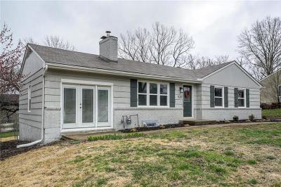 Raytown Single Family Home For Sale: 5217 Elm Place