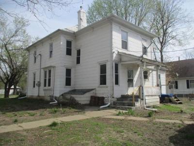 Single Family Home For Sale: 502 E Green Street