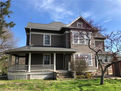 Pleasant Hill Single Family Home For Sale: 17321 S State Route East Rural Route