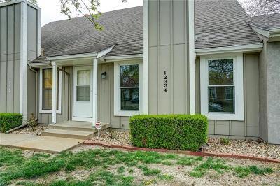 Johnson-KS County Condo/Townhouse For Sale: 12334 W 107th Terrace